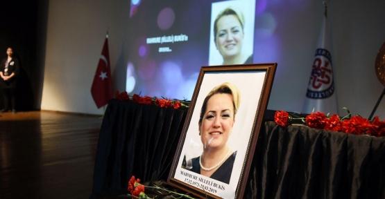 İzmir'de Görev Başında Kalp Krizi Geçiren Hemşire Vefat Etti