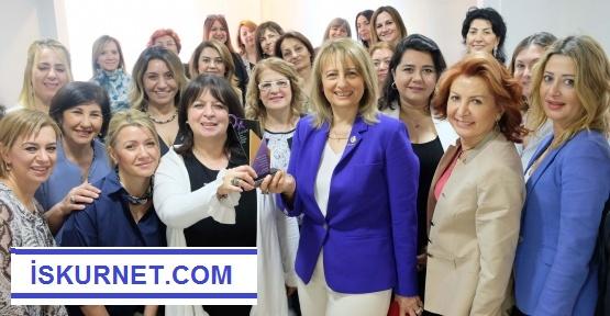 Kadınlardan Güçbirliği Mesajı
