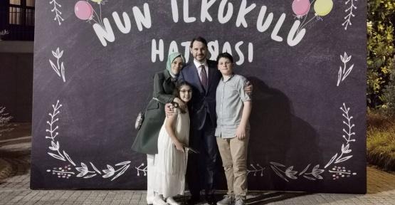 Hazine ve Maliye Bakanı Berat Albayrak'tan Aile Fotoğrafı