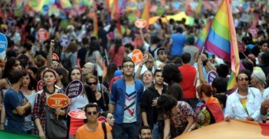 İstanbul Valiliğinden LGBT yürüyüşüne izin yok.