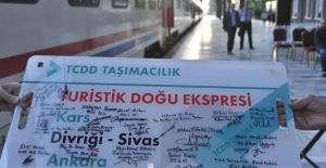 Turistik Doğu Ekspresi İlk Seferine Çıktı