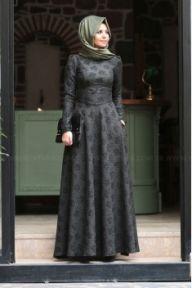 Yeni Sezon Tesettür Elbise Modelleri İle Modanın Nabzını Tutun