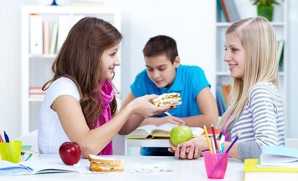 Ders Çalışırken Nasıl Beslenmeliyiz